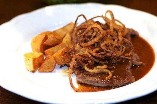Bistecca con le cipolle